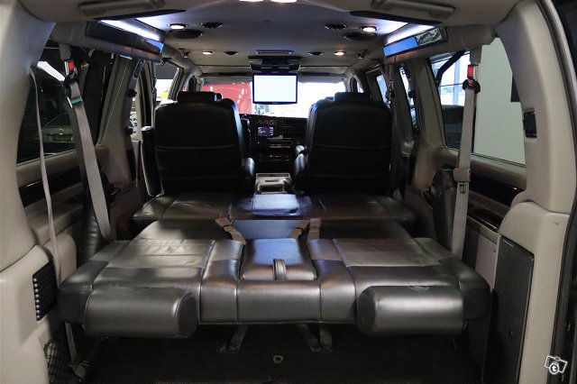 Chevrolet Express 18