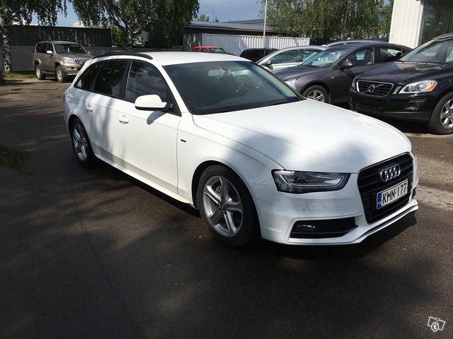 Audi A4 AVANT 2,0tdi S-line