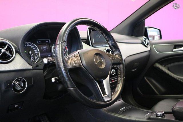 Mercedes-Benz B 12