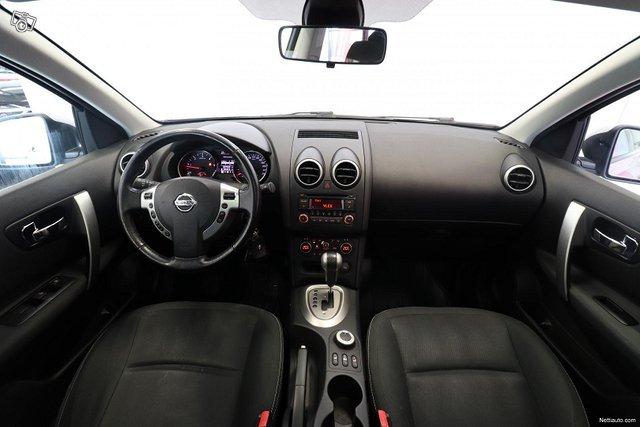Nissan Qashqai+2 14