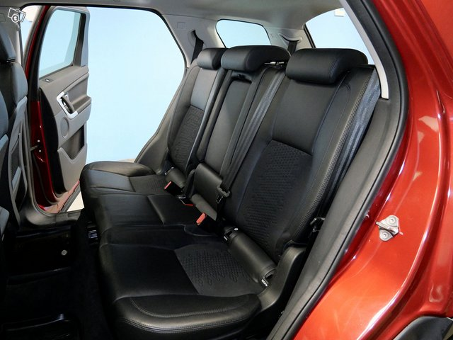 Land Rover Discovery 8