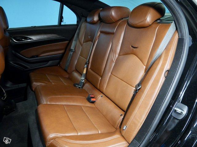 Cadillac CTS 8