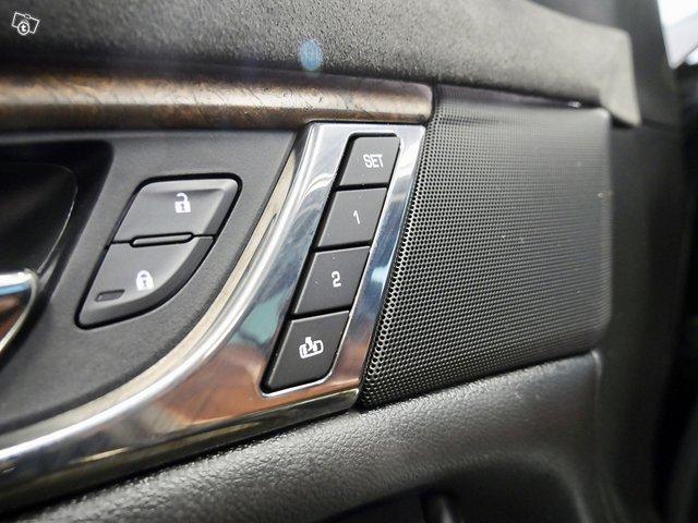 Cadillac CTS 13