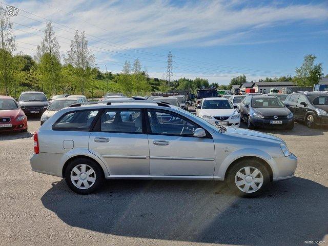 Chevrolet Nubira 7