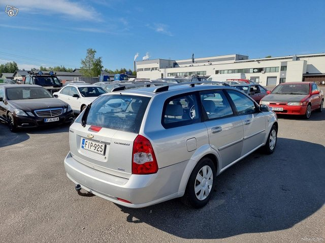 Chevrolet Nubira 8