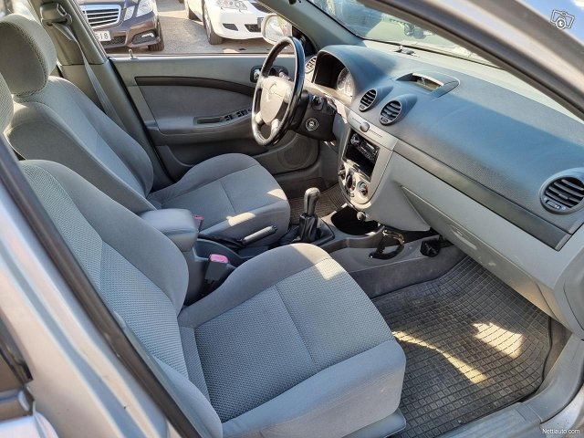 Chevrolet Nubira 11