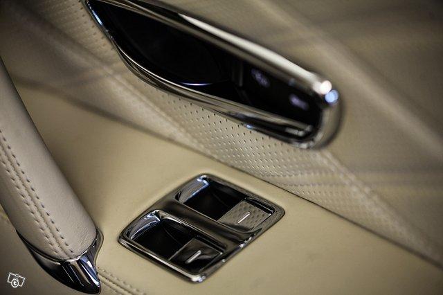 Bentley Flying Spur 24