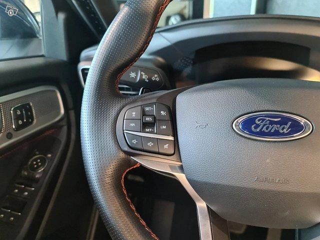 Ford Explorer 12