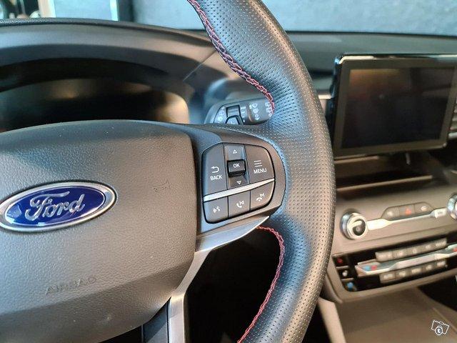 Ford Explorer 13