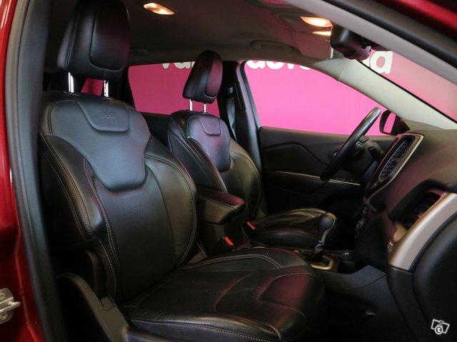 Jeep Cherokee 13