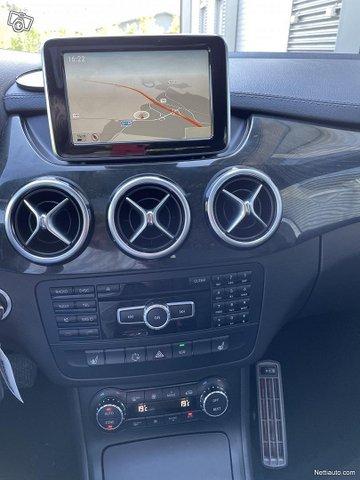 Mercedes-Benz B 13
