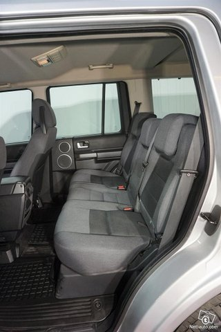 Land Rover Discovery 11