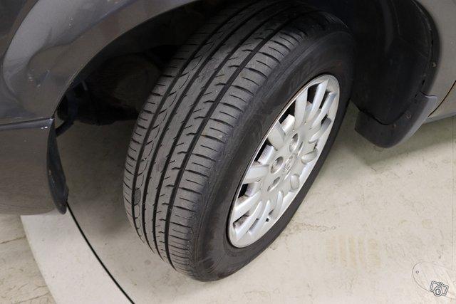 Chrysler VOYAGER 17