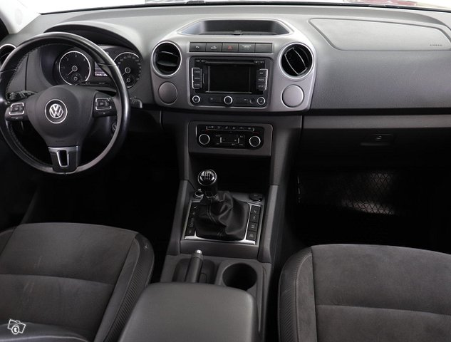 Volkswagen Amarok 8