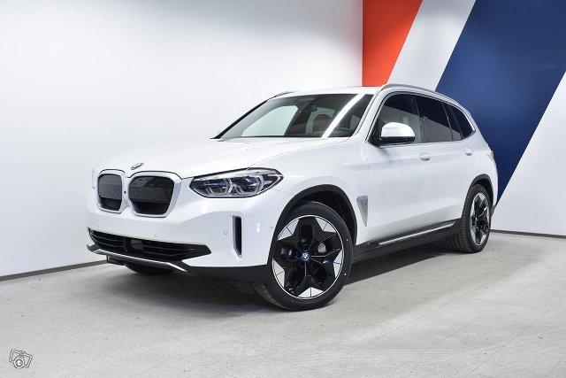 BMW IX3, kuva 1