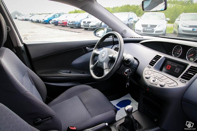 Nissan Primera 21