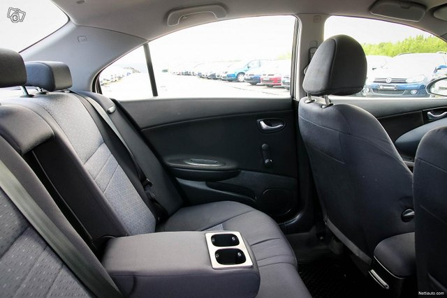 Nissan Primera 23