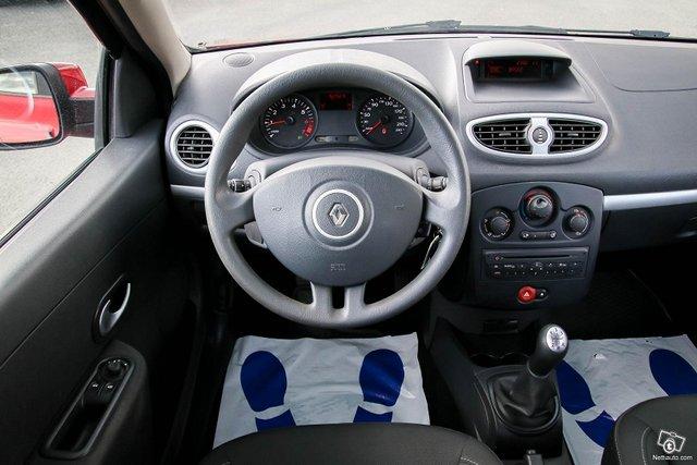 Renault Clio 25