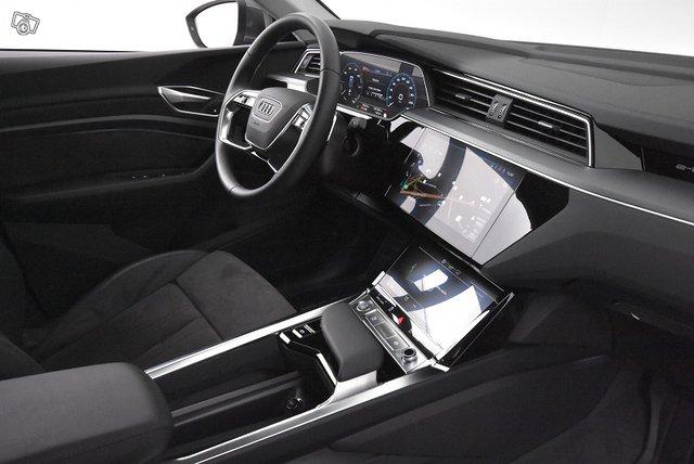 Audi E-TRON 13