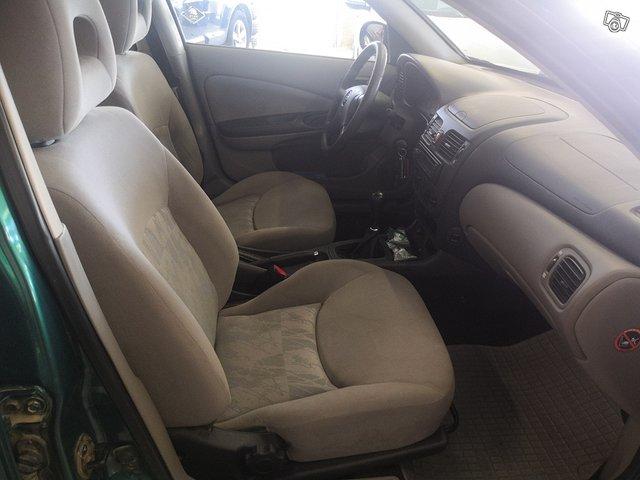 Nissan Almera 5