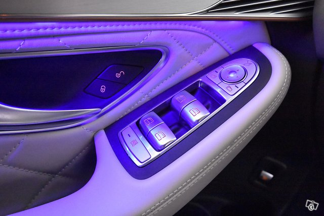 Mercedes-Benz EQC 21