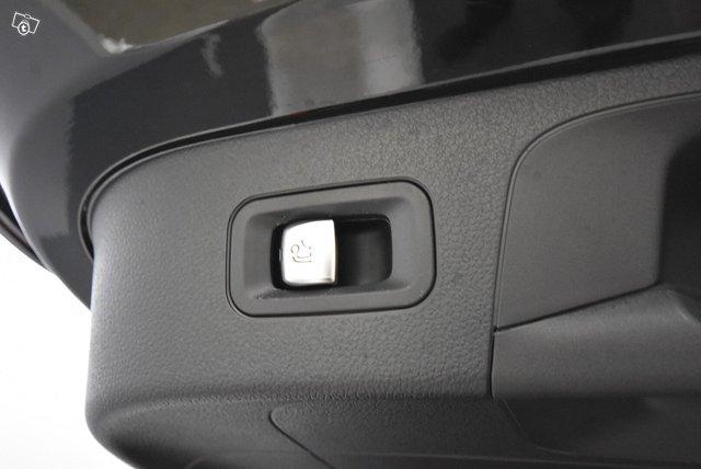 Mercedes-Benz EQC 24