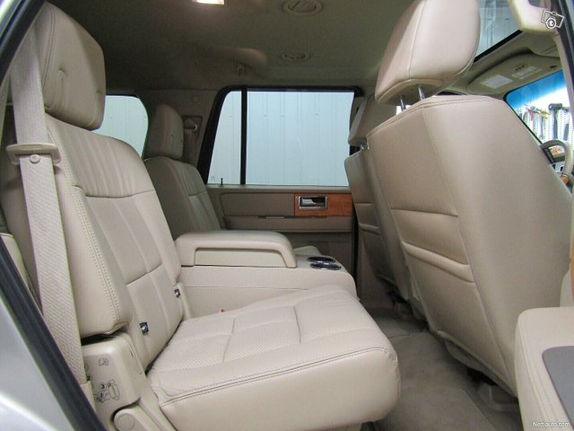 Lincoln Navigator 20