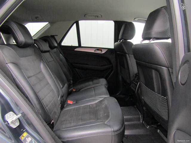 Mercedes-Benz ML 22