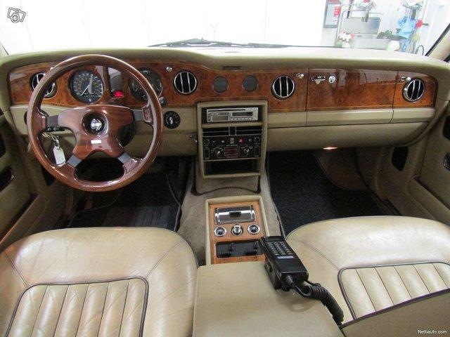 Rolls-Royce Silver Spur 9