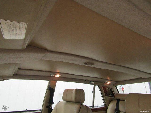 Rolls-Royce Silver Spur 13