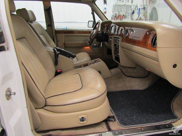 Rolls-Royce Silver Spur 17