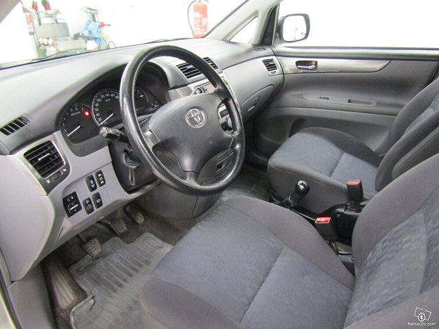 Toyota Avensis Verso 7