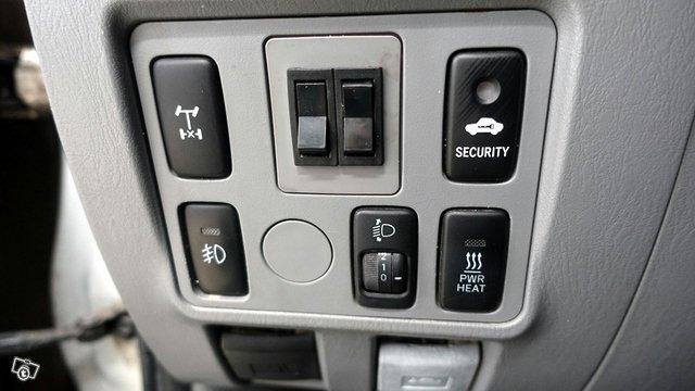 Toyota Hilux 12