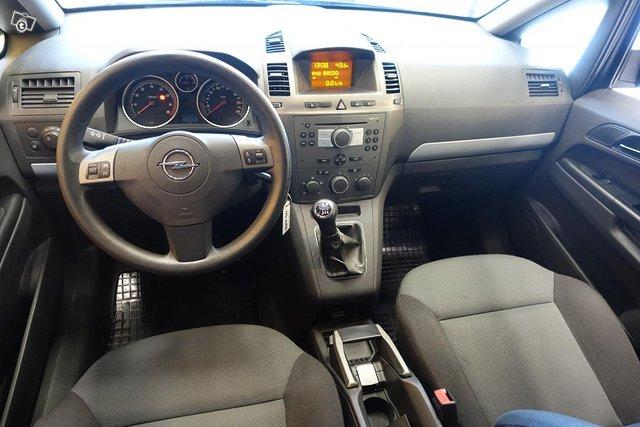 Opel Zafira 9