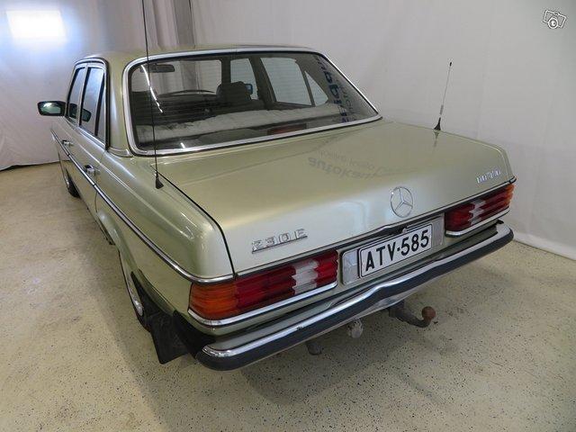 Mercedes-Benz 230 E 5