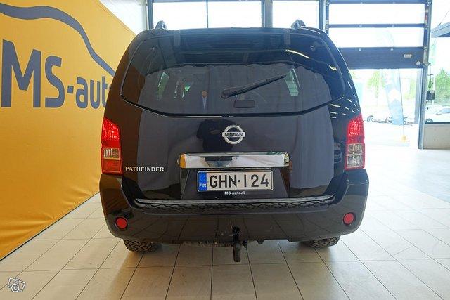 Nissan Pathfinder 6
