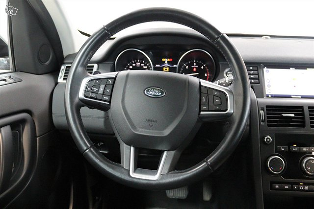 Land Rover Discovery Sport 12