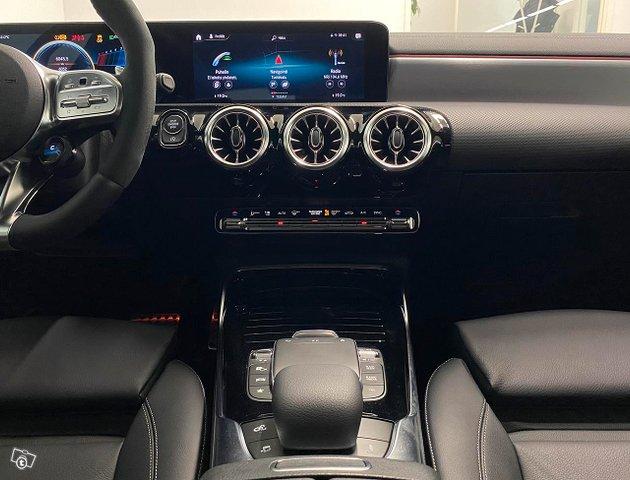 Mercedes-Benz A 35 AMG 21