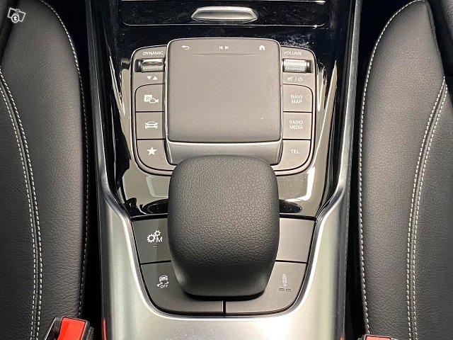 Mercedes-Benz A 35 AMG 22
