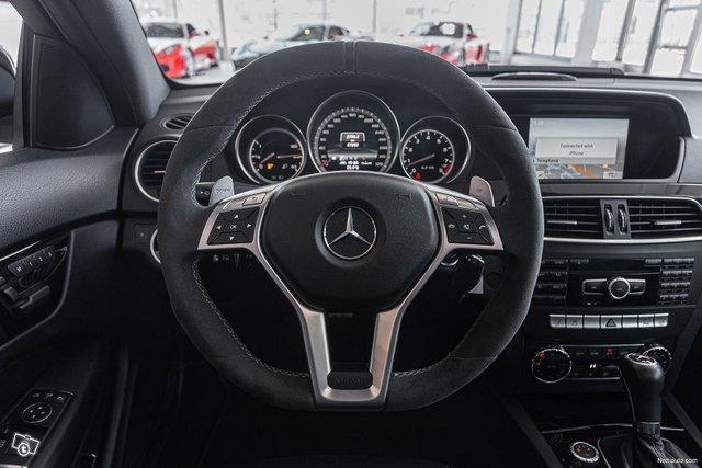 Mercedes-Benz C 63 AMG 14