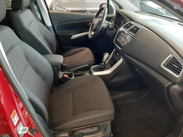 Suzuki SX4 S-Cross 13