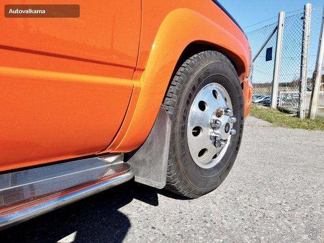 Chevrolet Silverado 9