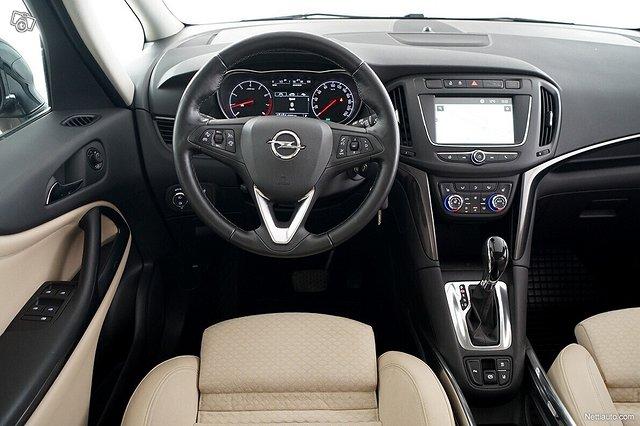 Opel Zafira 21