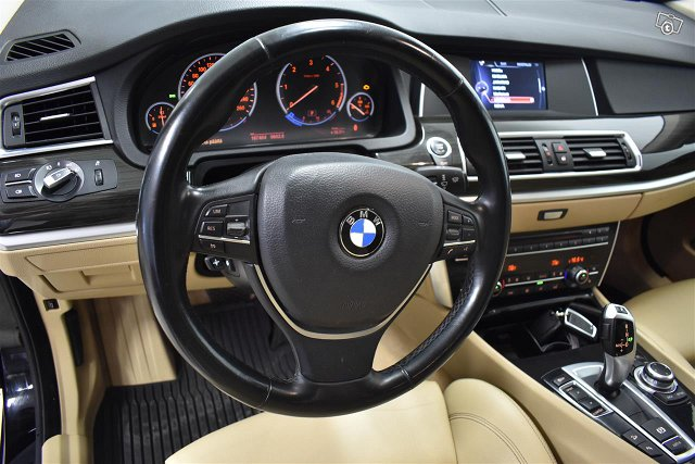 BMW 530 Gran Turismo 8