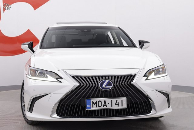 Lexus ES 8