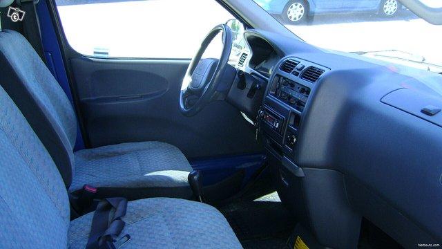 Toyota Hiace 3