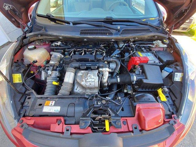 Ford Fiesta 16