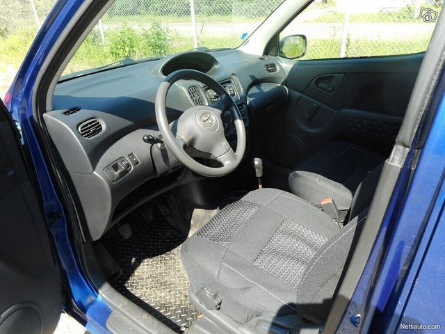 Toyota Yaris Verso 7