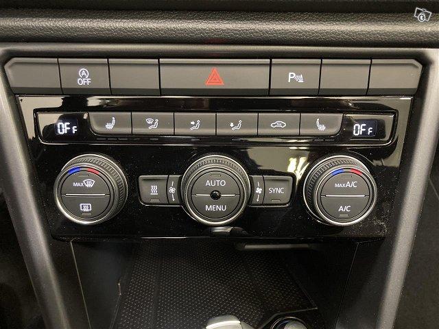 Volkswagen T-Roc Cabriolet 12