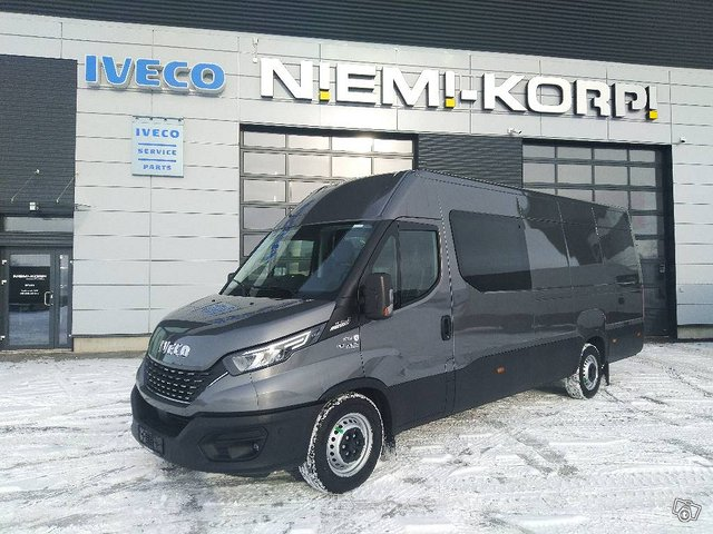 Iveco Daily 35S21A8 2+3